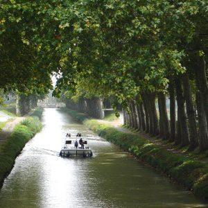Le Canal du Midi et ses balades en bateau ou en vélo
