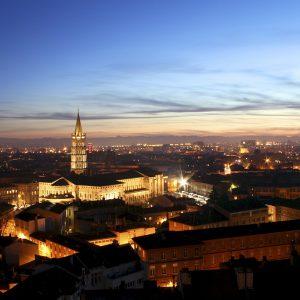 La basilique Saint Sernin et Toulouse la nuit