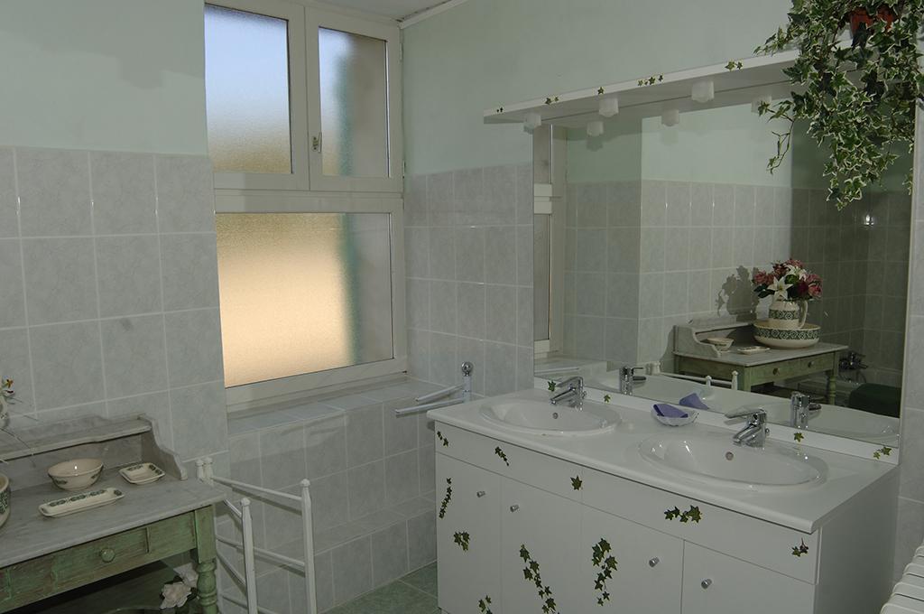 puech –  gite de france – salle de bain